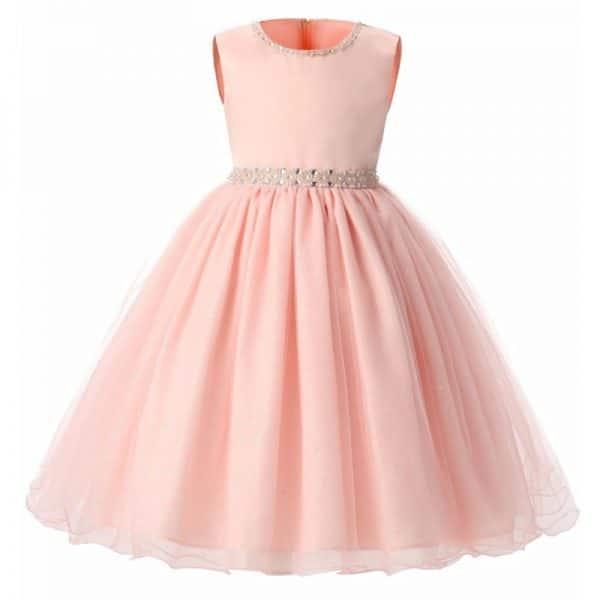 45c115204 الفساتين المنفوشة موضة رائجة جداً لعام 2018 سواء للفتيات أو حتى للأطفال،  ومعظم الأطفال يفضلون هذا النوع من الفساتين كونها ناعمة ومميزة، اخترنا لكِ  في ...