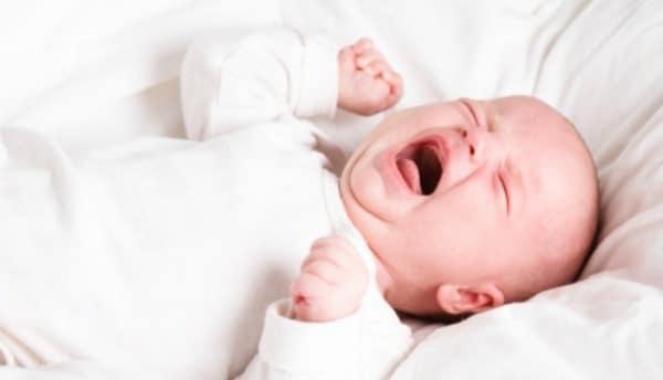 علاج مغص الاطفال الرضع حديثي الولاده