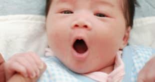 كيف اجعل طفلي الرضيع ينام طوال الليل