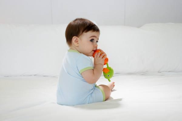تربية الطفل في عمر السنة وشهرين