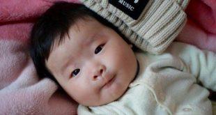 متى يضحك الطفل حديث الولادة