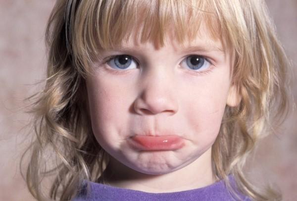 اسباب التاتاة المفاجئة عند الاطفال