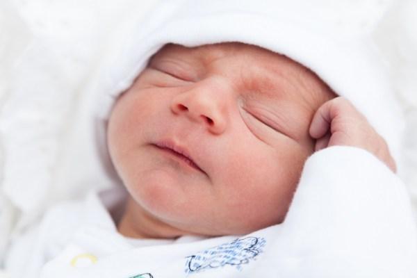 النوم المتواصل للطفل حديث الولادة